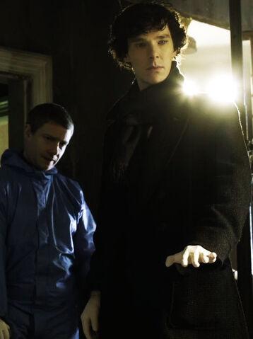 File:Sherlock-sherlock-on-bbc-one-30812747-500-669.jpg