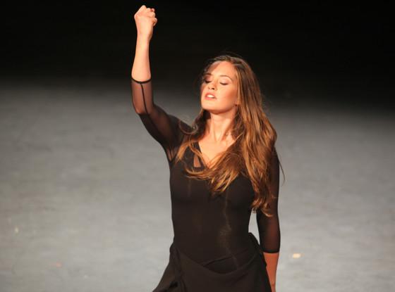 File:Ophelia dances.jpeg