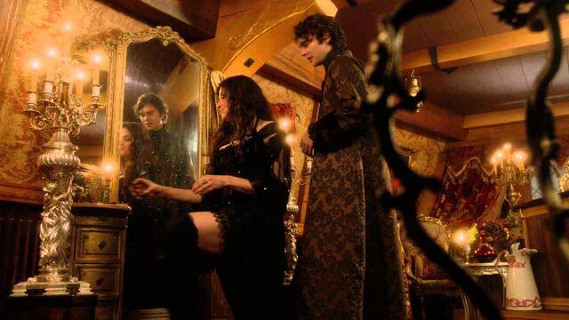 File:Countess&Sebastian-boudoir-light.jpg