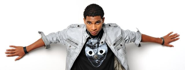 File:Arin-Ray-X-Factor-against-wall-2012-use.jpg