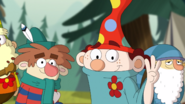 S2e10b dopey holding up fingers to indicate three
