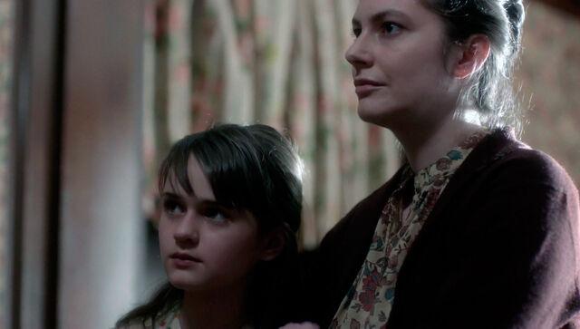 File:The americans-elizabeths mother 01.jpg