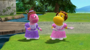 The Backyardigans - Break 40 Uniqua and Tasha