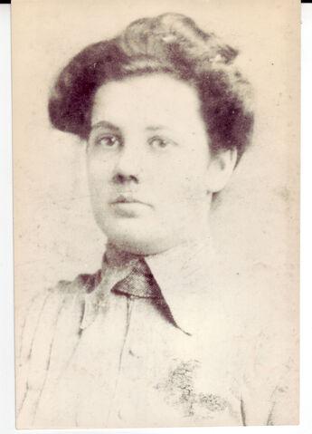 File:Lola Beard Hudson at 16.jpg