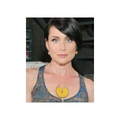 Rena Sofer as Quinn Fuller