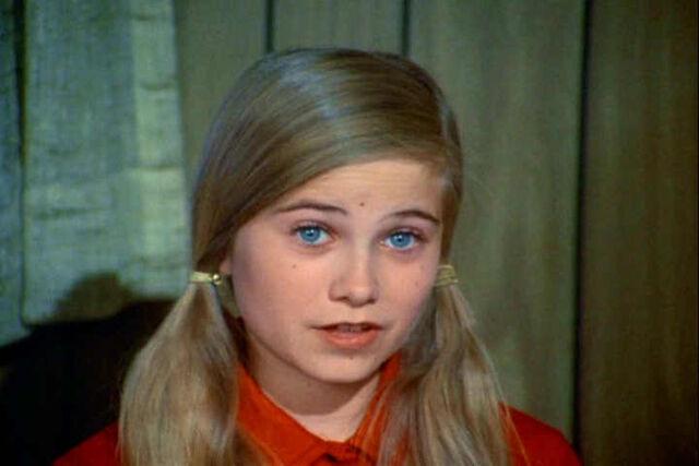 File:Marcia-Brady-the-brady-bunch-10983342-720-480.jpg