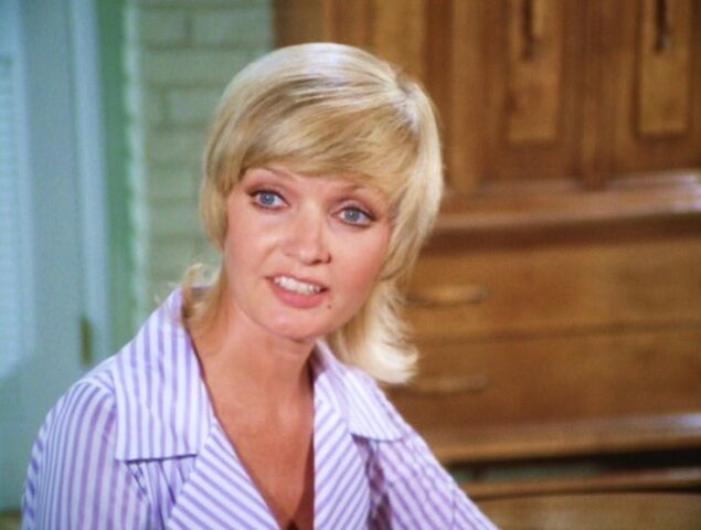 File:Carol-Brady-the-brady-bunch-10706627-793-599.jpg
