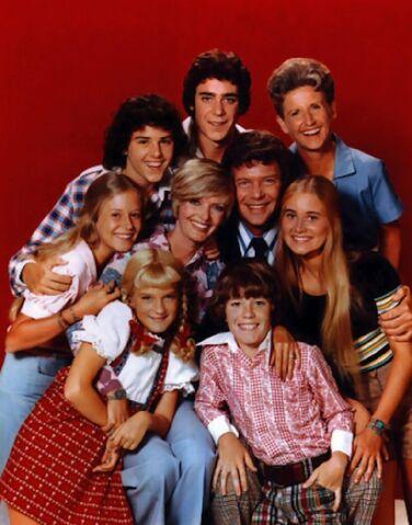 File:Brady Bunch Season 4 cast photo.jpg