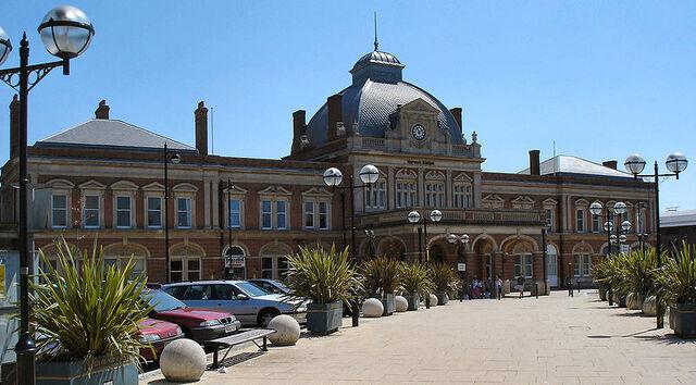 File:NorwichRailwayStation.jpg