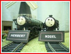 File:Herbert and Nigel Nameboards.jpg