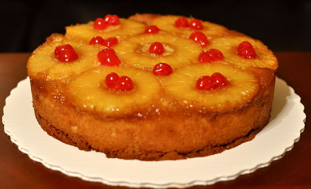 File:800px-Pineapple-upside-down-cake.jpg