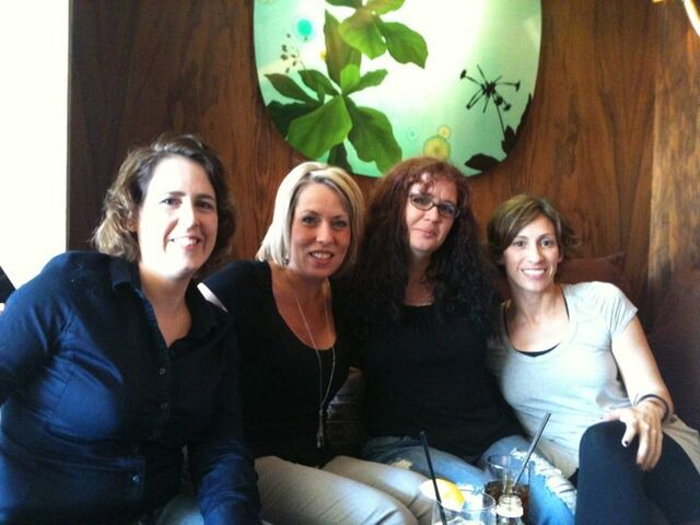 File:Kami Garcia with Melissa Marr, Kelly Armstrong and Kimberly Derting.jpg