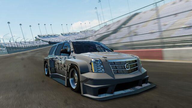 File:Cadillac Escalade CIRCUIT.jpg