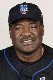 File:Don Baylor (2003 Mets coach) 3.jpg