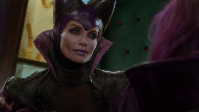 File:Maleficent (Evil Like Me) 2.jpg