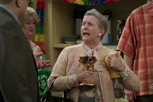 File:Millicent Martin as Helen.png
