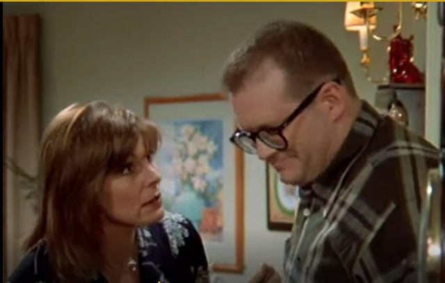 File:TDCS ep. 1x20 - Drew and Kate and Kate's Mom - Drew Promises to talk to Kate.png