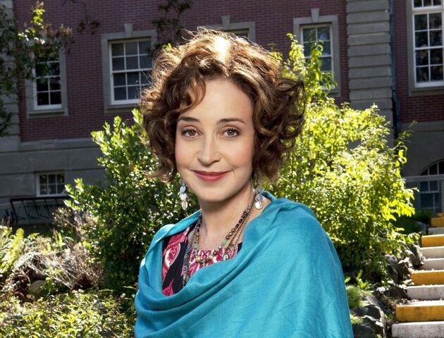 File:Annie-potts-joins-abc-drama.jpg