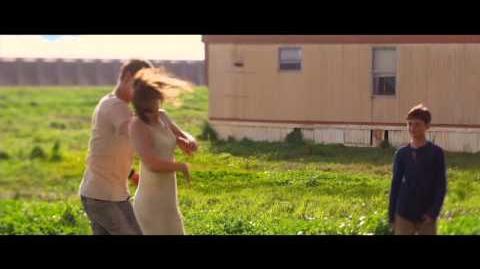 The Host - Film Clip - Kissing in the Rain