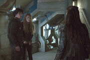 S3 episode 5 - Clarke & Bellamy pic 3
