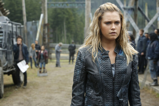 File:The 100 A lie guarded - Clarke 2.jpg