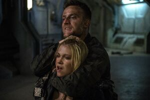 The-100-Demons-3x12-promotional-picture-the-100-tv-show-Emerson & Clarke