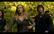 1x02-Clarke and Bellamy