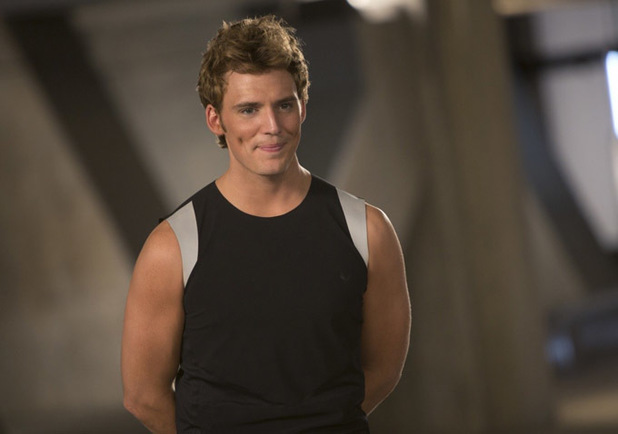 File:Movies-the-hunger-games-catching-fire-sam-claflin-finnick.jpg