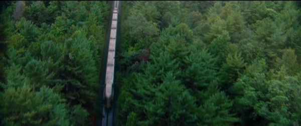 File:Hunger-games-train-600x251.jpg