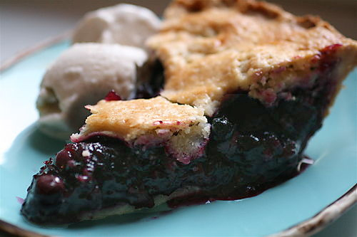 File:Best Blueberry Pie with Foolproof Pie Dough.jpg