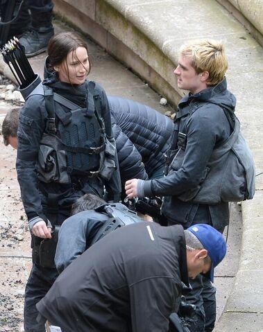File:Josh and jen on set.jpeg