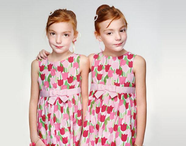 File:Twins-615.jpg