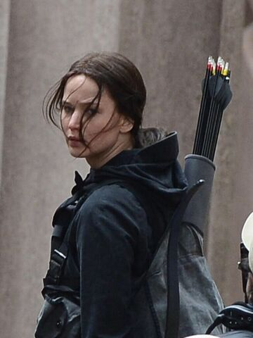 File:JLaw on set 3.jpeg