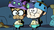 S2E17A Linc and Clyde eating popcorn