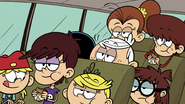 S2E16B The Louds eating sandwiches