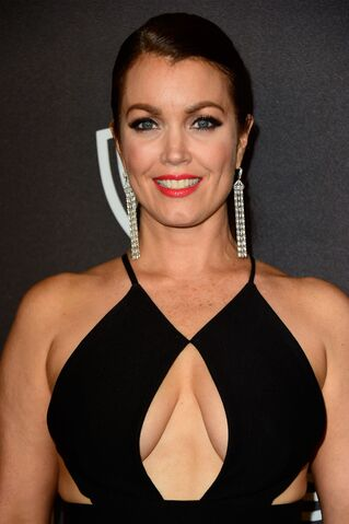 File:Bellamy-young-at-instyle-and-warner-bros.-2016-golden-globe-awards-post-party-in-beverly-hills-01-10-2016 1.jpg