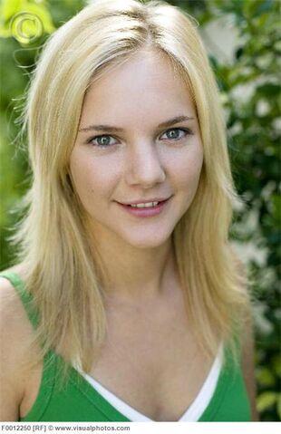 File:Model released teenage girl happy teenager f0012250.jpg