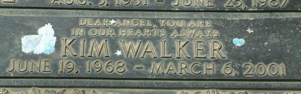 File:Kim Walker-grave.jpg