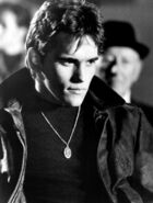DALLAS-WINSTON-the-outsiders-5485642-343-453