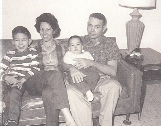File:Floyd, Gladys, Allen & Merriell, Jan, 12.20.66.jpg