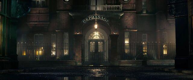 File:The-BFG-orphanage.jpg