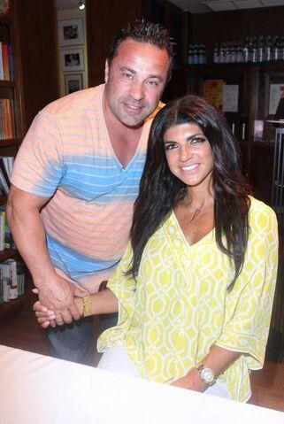 File:Joe and Teresa Guidice 2.jpg