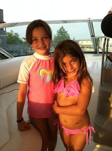 File:Gabriella and Milania Giudice.jpg