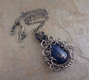 Lapis necklace2