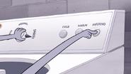 S6E18.249 Benson Setting the Washing Machine to Smash and Inferno
