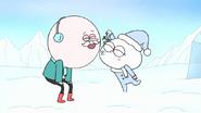 S8E23.036 Snow Munchkin Kisses Pops