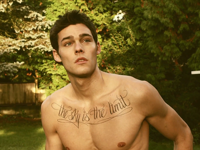 File:Holden-nowell-shirtless-male-model-call-me-maybe-3.jpg