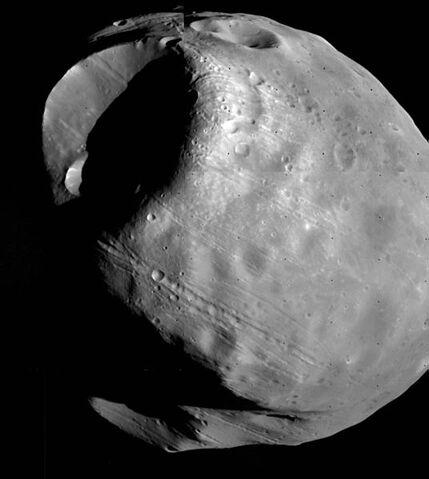 File:536px-Phobos-viking1.jpg
