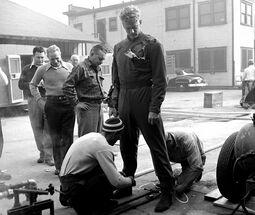 James Arness behind the scenes - The Thing (1951)