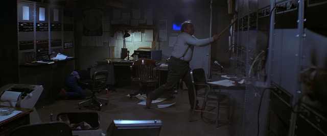 File:US Outpost 31 Radio Room - The Thing (1982).png
